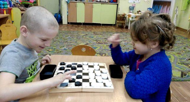 igrat-v-shashki-dlja-detej-s-6-let_1.jpg