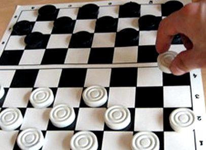 Игра шашки фото