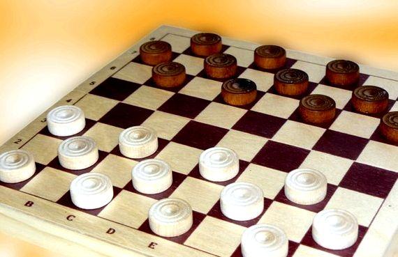 Русские шашки играть